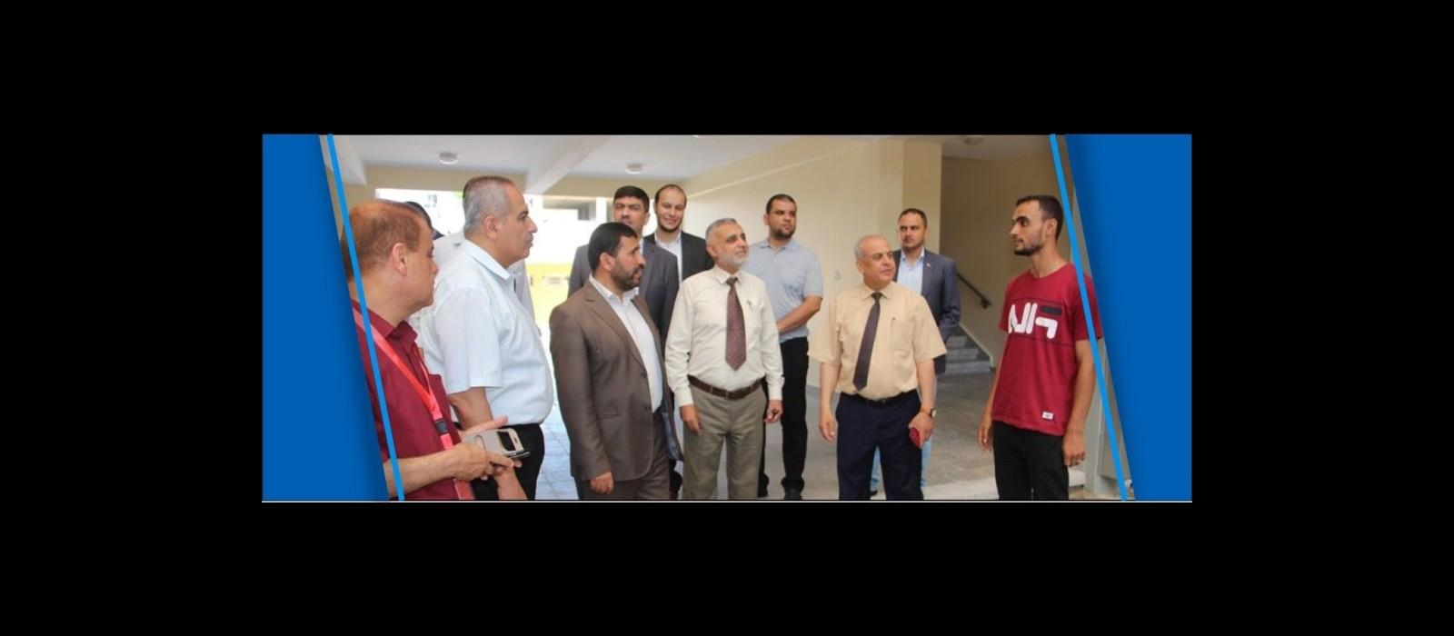نائب رئيس مجلس الوزراء السابق د. محمد عوض يتفقد مدرسة ثانوية الكويت برفح